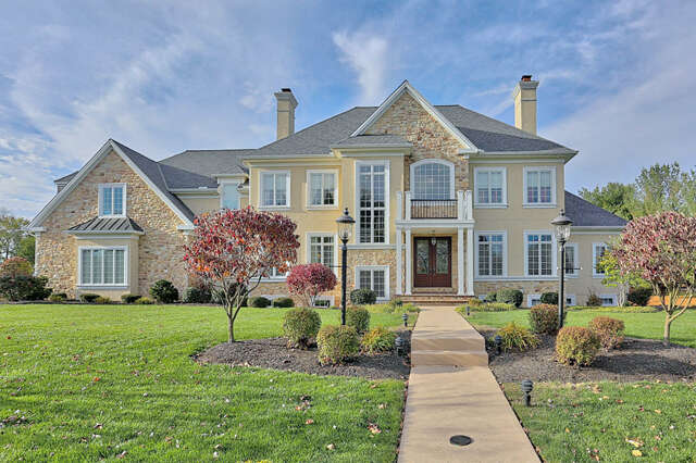 Single Family for Sale at 7 Shadewood Place Lititz, Pennsylvania 17543 United States