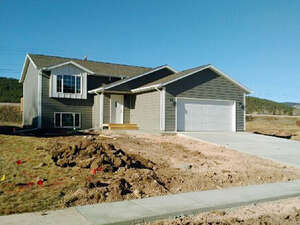 Featured Property in Summerset, SD 57769