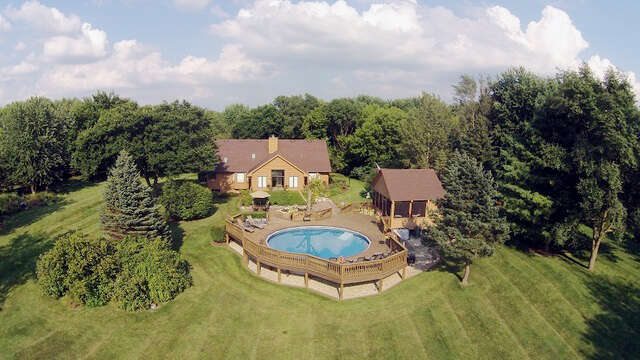 Single Family for Sale at 1809 Hobe Road Woodstock, Illinois 60098 United States