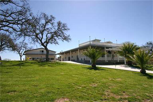 Single Family for Sale at 6685 El Pomar Drive Templeton, California 93465 United States