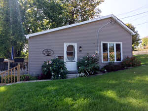 Featured Property in Napanee, ON K7R 2X1