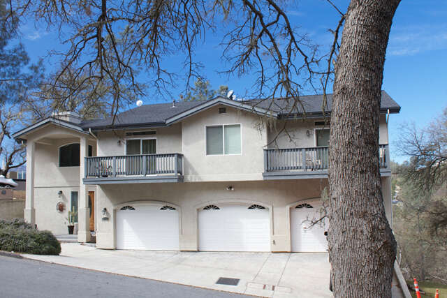 Single Family for Sale at 2575 Shoreline Road Bradley, California 93426 United States