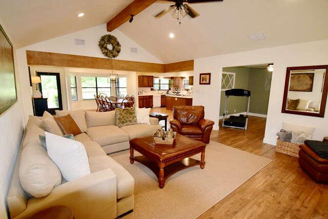 Single Family for Sale at 118 Independence Lane Ingram, Texas 78025 United States