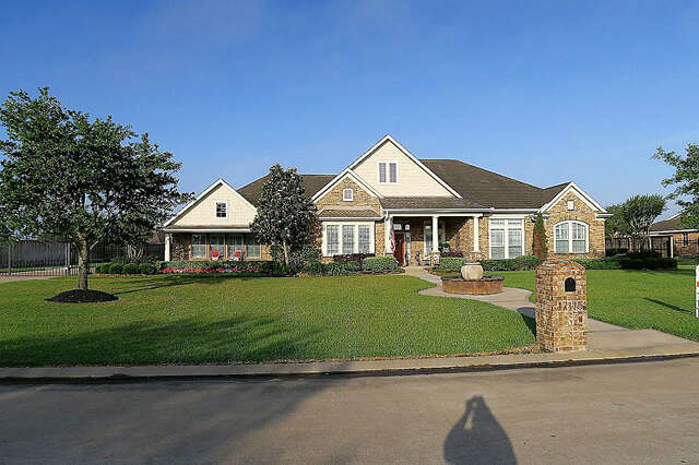 Single Family for Sale at 17115 Ledgefield Cypress, Texas 77433 United States
