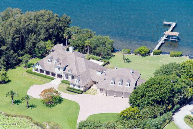 Single Family for Sale at 6925 S Tropical Trl Merritt Island, Florida 32952 United States