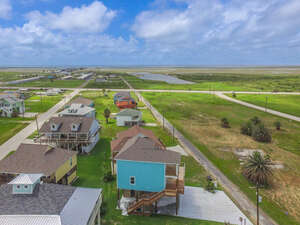 Featured Property in Crystal Beach, TX 77650