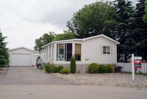 Featured Property in Moose Jaw, SK S6J 1C6