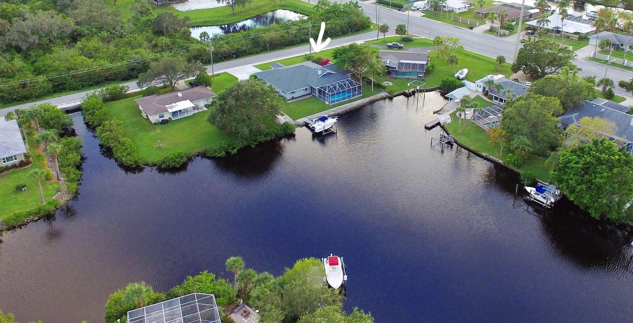 Single Family for Sale at 1507 Robbins Rd Nokomis, Florida 34275 United States