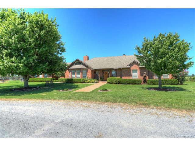 Single Family for Sale at 17888 N Javine Hill Road Skiatook, Oklahoma 74070 United States