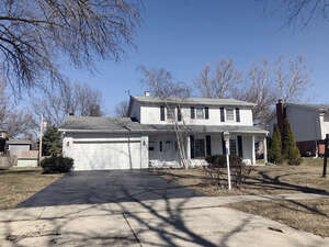 Featured Property in Darien, IL 60561