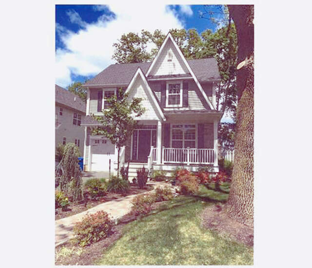 Single Family for Sale at 18 Peltier Avenue Metuchen, New Jersey 08840 United States
