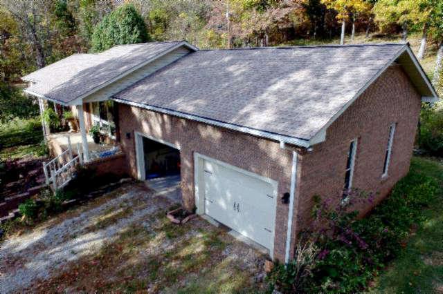 Single Family for Sale at 194 Hollis Stockton Lane Livingston, Tennessee 38570 United States