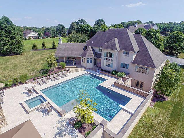 Single Family for Sale at 3 Doe Run Lane Lancaster, Pennsylvania 17603 United States