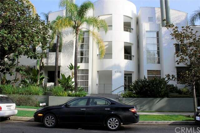 Condominium for Sale at 4326 Babcock Avenue #106 Studio City, California 91604 United States