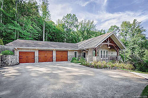 Single Family for Sale at 374 Red Wolf Run Mars Hill, North Carolina 28754 United States