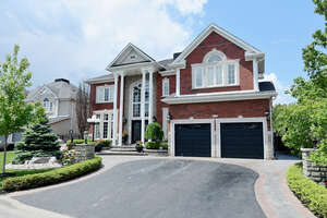 Featured Property in Ajax, ON L1T 4K1