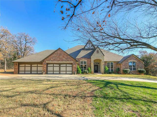 Single Family for Sale at 10900 Goldleaf Lane Oklahoma City, Oklahoma 73131 United States