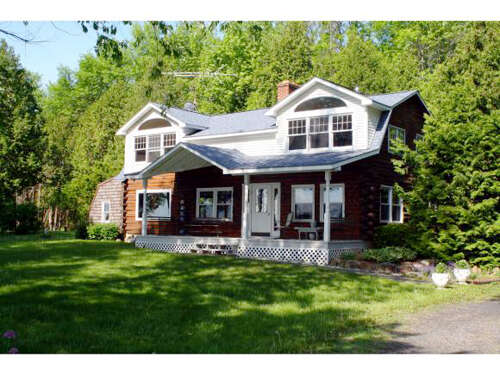 Single Family for Sale at 122 East Shore North Grand Isle, Vermont 05458 United States