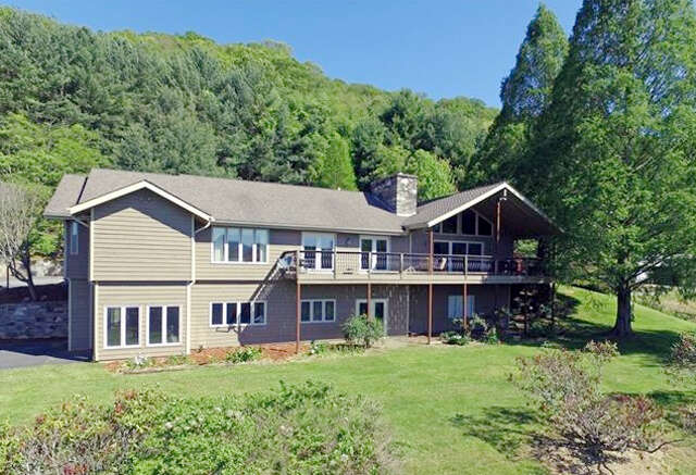Single Family for Sale at 644 Rogers Cove Rd Waynesville, North Carolina 28785 United States