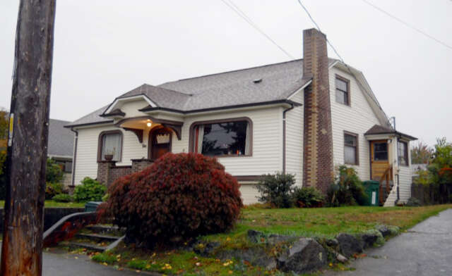 Single Family for Sale at 339 NW 79th St Seattle, Washington 98117 United States