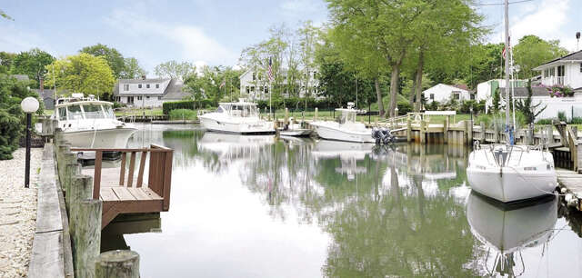 Single Family for Sale at 750 Budd's Pond Rd Southold, New York 11971 United States