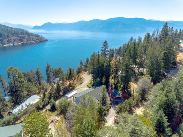 Single Family for Sale at 747 W Garfield Bay Rd Sagle, Idaho 83860 United States