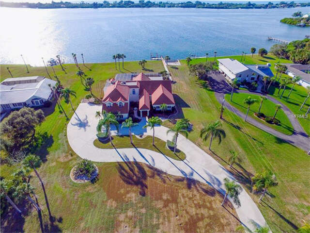 Single Family for Sale at 1165 Bayshore Drive Englewood, Florida 34223 United States