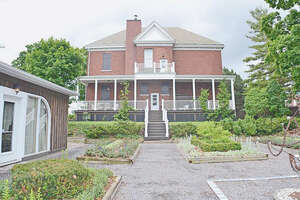 Featured Property in Bath, ON