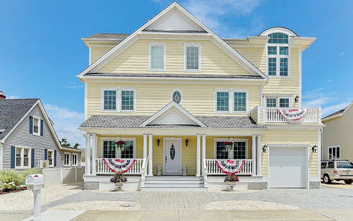 Single Family for Sale at 113 8th Avenue Normandy Beach, New Jersey 08739 United States