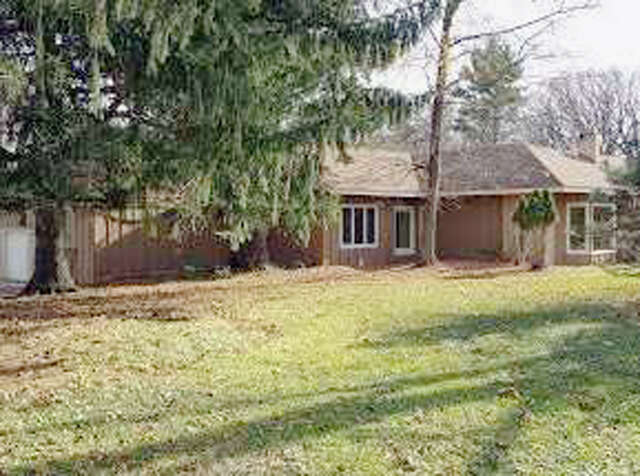 Single Family for Sale at 613 Three Oaks Road Cary, Illinois 60013 United States