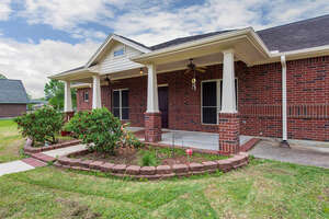 Featured Property in Santa Fe, TX 77510
