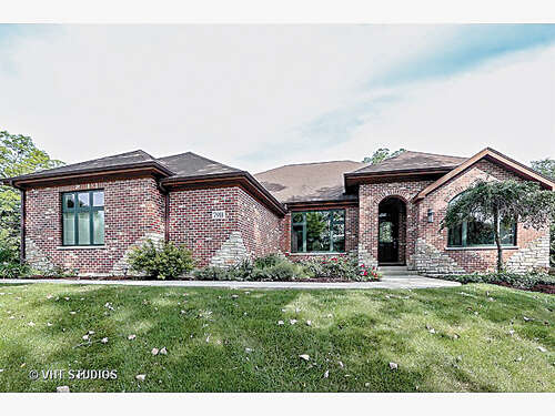 Single Family for Sale at 7911 Brookbank Road Willowbrook, Illinois 60527 United States