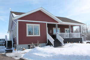 Featured Property in Ponoka, AB T4J 2N3