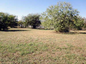 Featured Property in Kingsland, TX 78639
