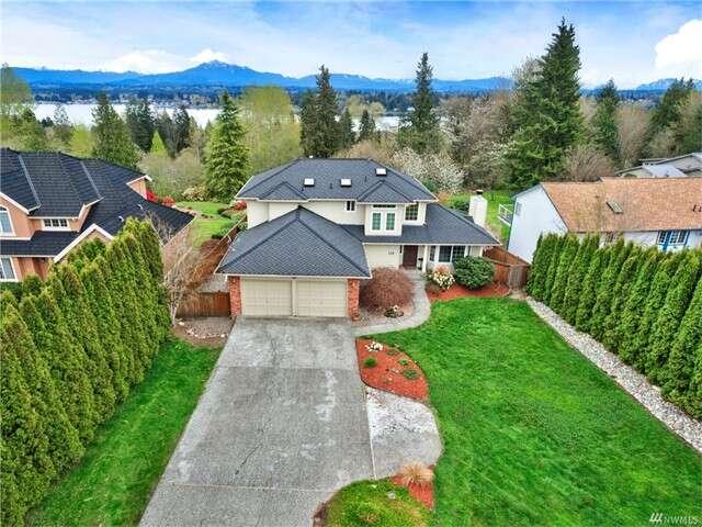 Single Family for Sale at 129 101 Ave NE Lake Stevens, Washington 98258 United States