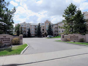 Featured Property in Edmonton, AB T6J 6R3