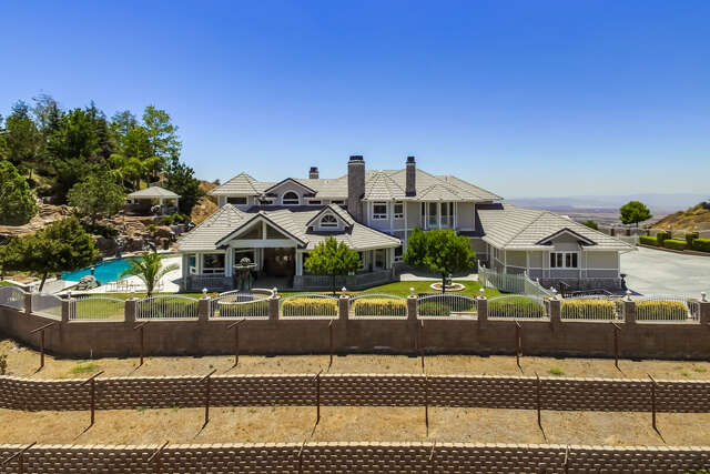 Single Family for Sale at 39455 Hidden Heights Drive Yucaipa, California 92399 United States