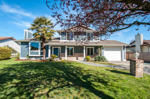 Featured Property in Parksville, BC V9P 1Y7