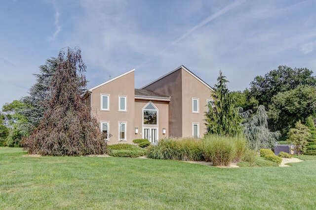 Single Family for Sale at 21 Holly Dr. Columbus, New Jersey 08022 United States