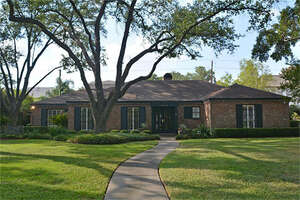 Featured Property in Houston, TX 77056