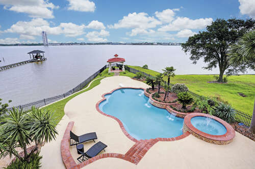 Single Family for Sale at 1020 Island View Street Kemah, Texas 77565 United States