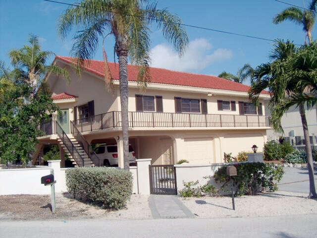 Single Family for Sale at 110 Vista Lane Duck Key, Florida 33050 United States