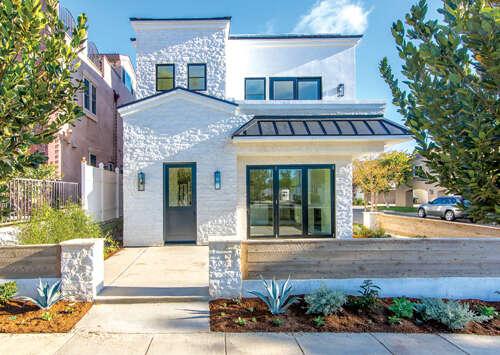 Condominium for Sale at 700 Avocado Avenue Corona Del Mar, California 92625 United States