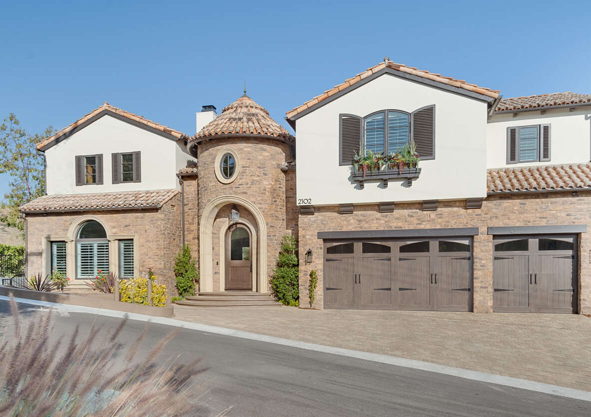 Single Family for Sale at 2102 Trentham Road Westlake Village, California 91361 United States