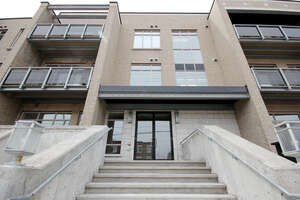 Featured Property in Ottawa, ON K1Z 5G5