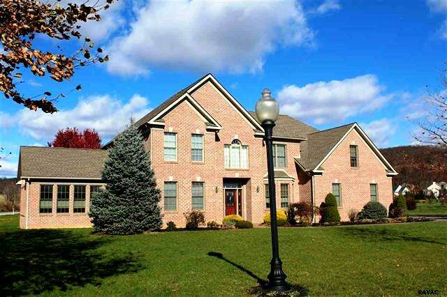 Single Family for Sale at 190 Hickory Lane Hanover, Pennsylvania 17331 United States