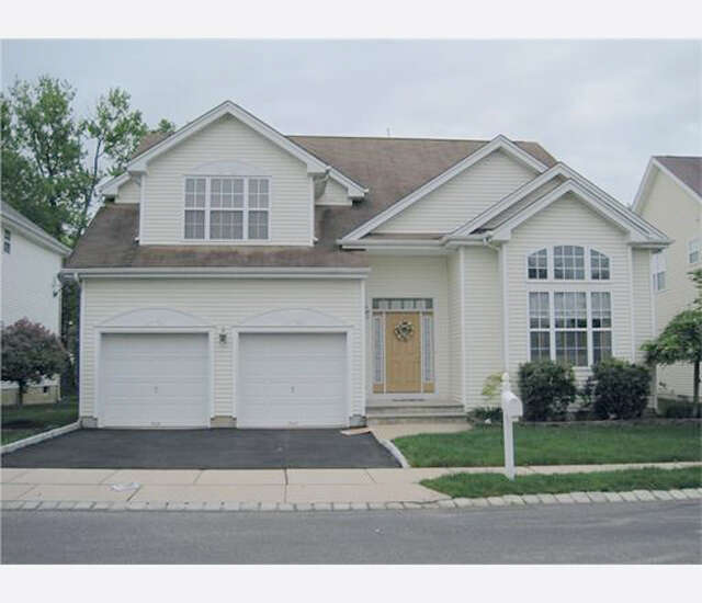 Single Family for Sale at 10 Bermuda Dunes Drive Monroe, New Jersey 08831 United States