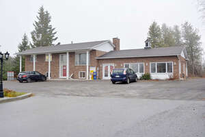 Featured Property in Carp, ON K0A 1L0