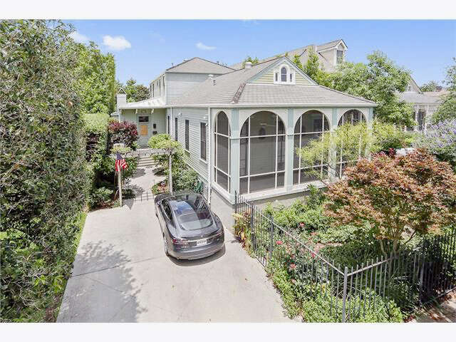 Single Family for Sale at 6041 Laurel St. New Orleans, Louisiana 70118 United States