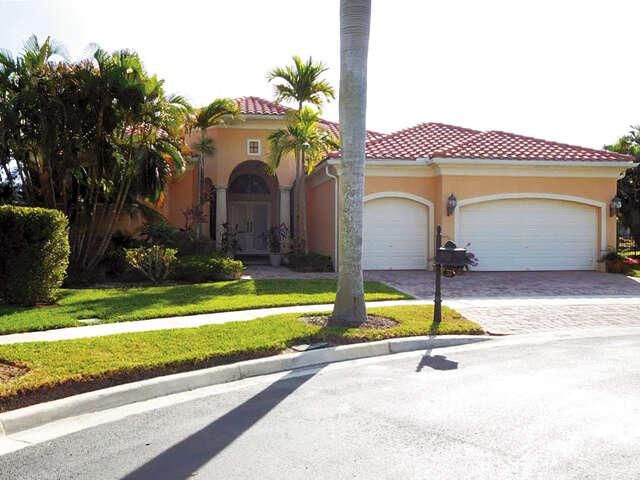 Single Family for Sale at 220 Via Emelia Palm Beach Gardens, Florida 33418 United States